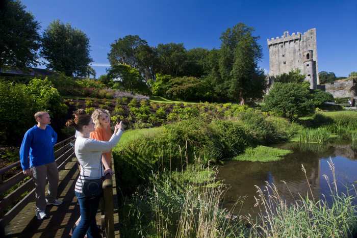 Visitors-to-Blarney-Castle-.jpg