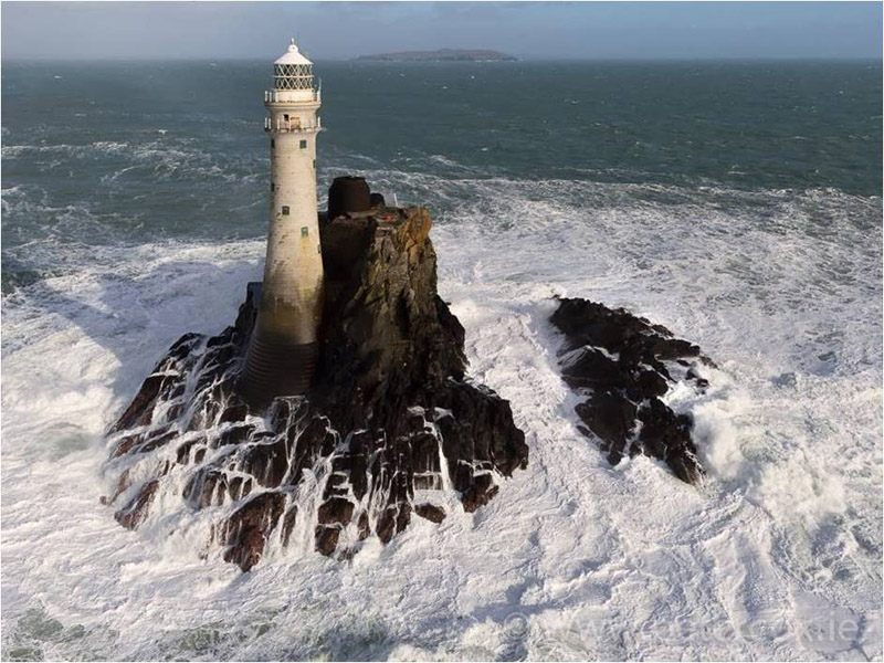Fastnet Lighthouse Cork.jpg